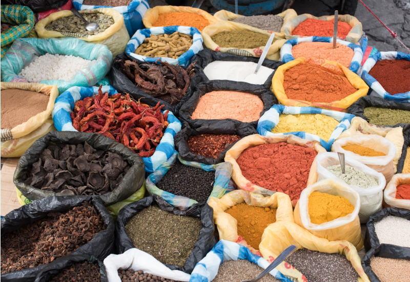 肉料理に使われるスパイスとハーブ